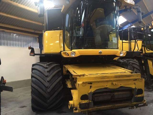 New Holland Cr9080elevation4wd - 2009 - image 2