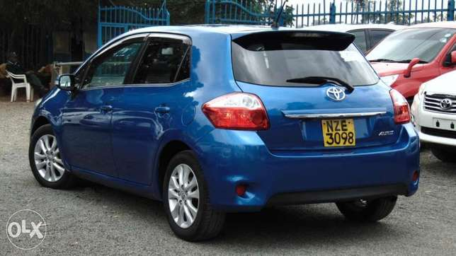 toyota auris 2010 model1500 cc fully loaded Parklands - image 2