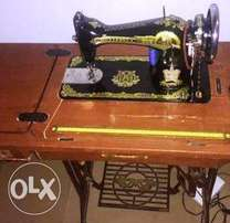 original butterfly sewing machine with leg