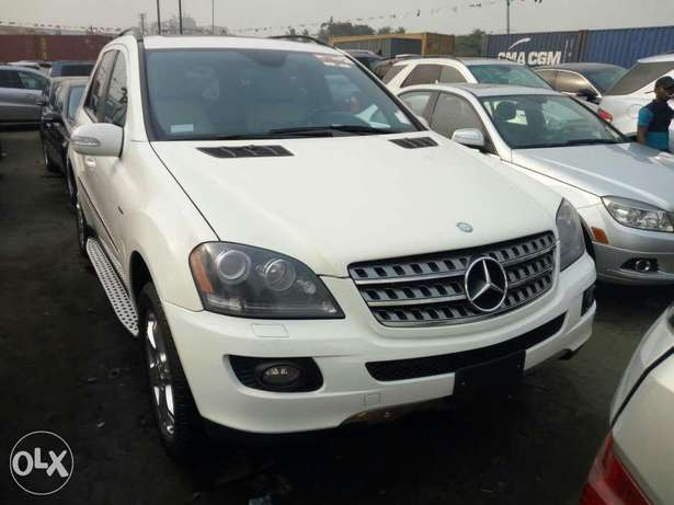 Very clean foreign used 2008 Mercedes-Benz Ml350 4matic. Negotiable Apapa - image 1