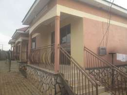 Nice looking 2 bedroom houses in Namugongo at 500k