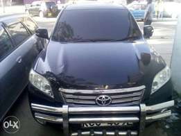 Toyota Vanguard. Extremely maintained