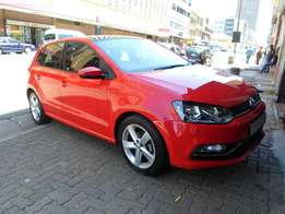 2016 model polo 6 1.2 hatchback,red,s roof,11 000km,for sale