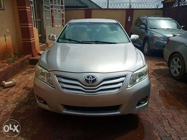 Urgent sales cheap Just landed clean 2010 Toyota Camry Benin City - image 1