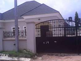 3bedroom bungalow with 2rooms bq for sale in Gwarinpa