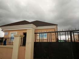 Newly built 3 bedroom bungalow for sale in Apo resettlement