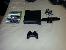 250GB XBOX 360, kinet, 7 Games and wireless controller