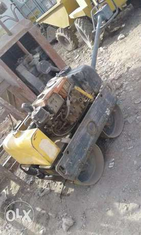 Vibrating sand roller 1ton without operator