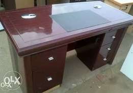 Nice manager's office table new