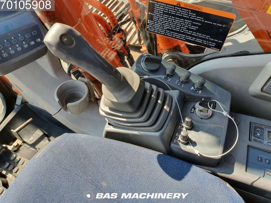 Hitachi ZX280LC-3 Nice and clean machine - 2010 - image 20