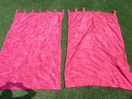 Curtains (2x) and matching floor mat (Pink)