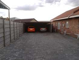 Town house to rent in Trichardt.