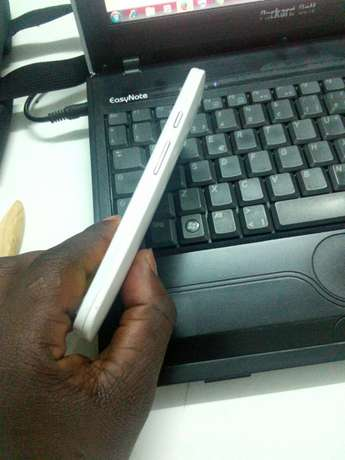 Selling my Motorola 2nd generation Kampala - image 8