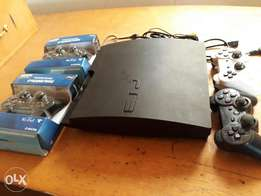 Hacked PS3 with 4pads and all accessories