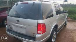 Very Clean First body Nigerian used 2005 Ford Explorer