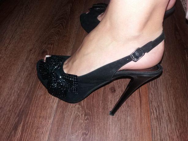 400c356d7e7335 Чорні босоніжки на каблуку 38-39 розмір: 450 грн. - Жіноче взуття ...