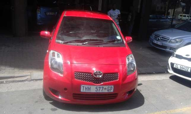 Toyota yaris 1.6 red in color automatic 2009 model 95000km R 93000 Johannesburg CBD - image 1