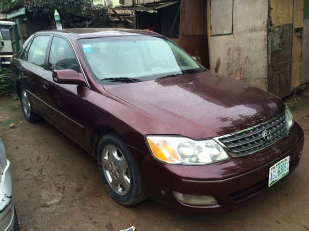 Super clean Nigeria used Toyota Avalon 2004 model. Agege - image 2