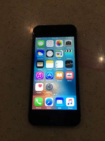 iphone 5s black 16gb 23k City Square - image 2