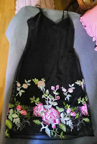 Sprzedam czarna sukienka na ramiączkach z haftem kwiatów New