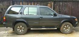 Clean Nissan Pathfinder '98