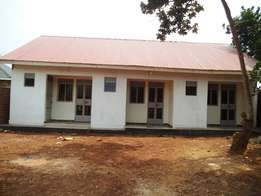 Self contained house for rent in Bunono tiled for 250,000/=