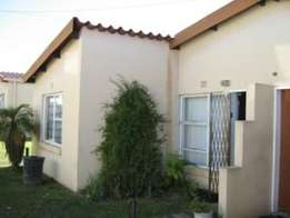 Bloubosrand 2bedroomed garden simplex unit to let for R3800 pre-paid e