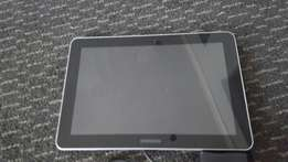 Samsung 10inch tablet white with charger working well