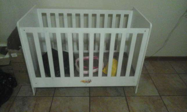 Baby Cot Witbank - image 2