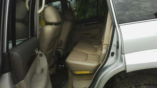 Nigerian used toyota Lexus first body very clean Agege - image 5