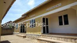 Charming self-contained 2 bedroom house in kira at 450k