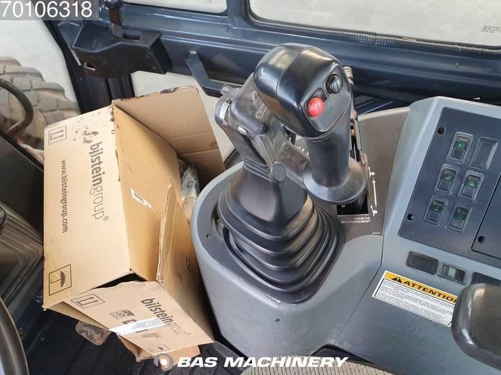Case IH 580 SLE - 1999 - image 15