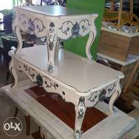 Center table with 2side stools