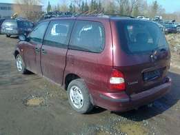 kia carnival 2.5 petrol!! stripping for spares