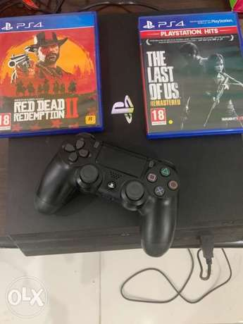playstation 4 pro 1 T Hdd