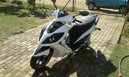 Motomia 2014 scooter mint condition