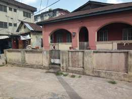 4 bedroom bungalow on a full plot at ibadan street, off Apapa road
