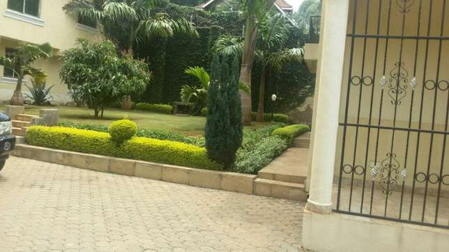A 4 bedroom in Lavington, 5 units in a compound. Lavington - image 2