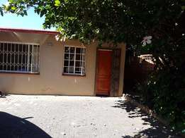 1 Bedroom Garden Cottage in Sundowner R4600pm
