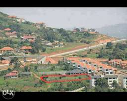 Kitende Limuli -along Entebbe express highway Half an acre (20 decima