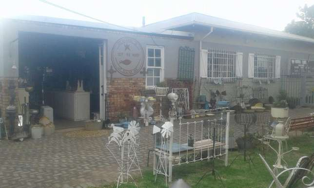 Forever Young Antiques Randfontein - image 2