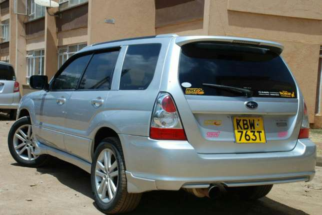 Subaru Forester year 2006 Model Kilimani - image 7