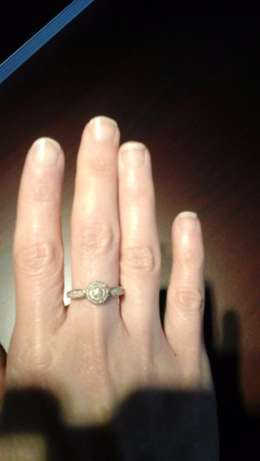 9ct yellow gold Cluster Diamond ring for sale Pretoria East - image 4