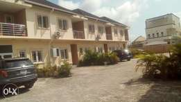 Very nice and clean 4bedroom terrace to let at s-fort estate ajah lago