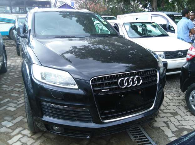 Black Q7,3600cc,Leather Seats,Back Camera,Dvd Player,Back Camera Nairobi CBD - image 2