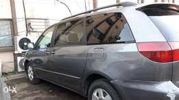 Clean Registered 2005 Toyota Sienna LE For Sale
