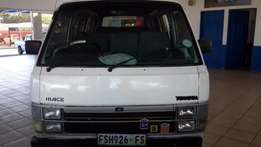 Toyota Hiace 16 seater 2005 m