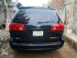8 Seat 2008 Toyota Sienna at a give away price