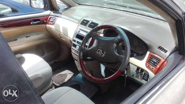 Toyota picnic super clean 7seater auto buy and drive 2000cc Hurlingham - image 5