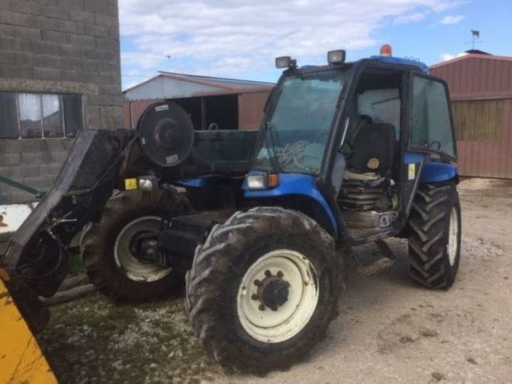 New Holland lm 435a - 2004